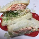 銀鮭でサンドイッチ