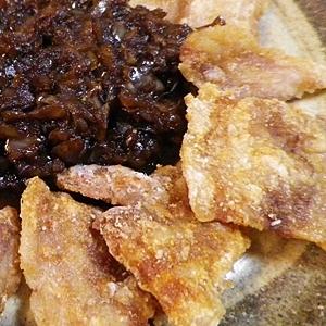 カリカリ豚のバルサミコ酢オニオンソース添え
