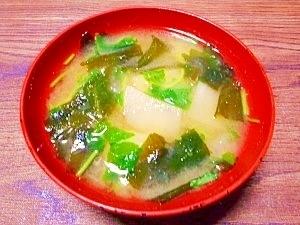 毎日のお味噌汁172杯目*ジャガイモとワカメ三つ葉