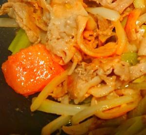 豚肉トマトのニンニクレモン炒め