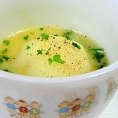 丸ごとじゃがいものバタースープ
