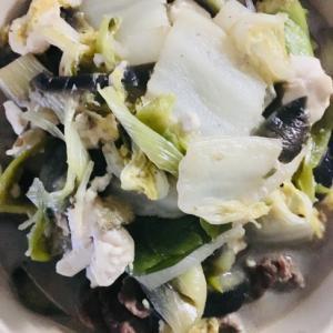 白菜、豚肉、キクラゲの炒め物