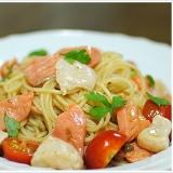 サーモンと帆立、ミニトマトの冷製スパゲッティーニ