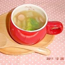 ブロッコリーとウインナーのコンソメスープ