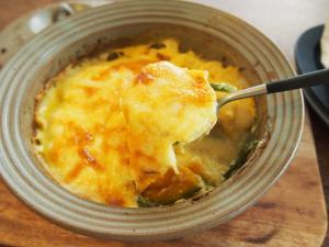スープポット(土鍋)で、根菜たっぷり豆乳グラタン