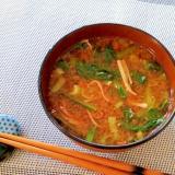♪小松菜とカニカマの味噌汁♪