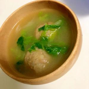 白菜と肉団子の味噌汁