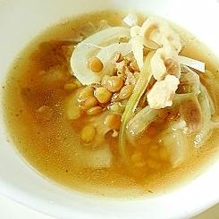 豚バラとレンズ豆のコンソメスープ