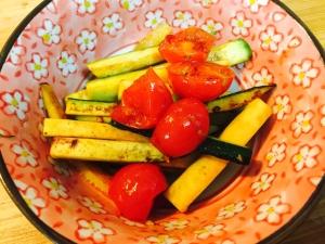 ズッキーニとプチトマトの炒め物