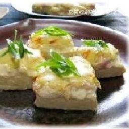 豆腐の鶏肉と練りごまのマヨネーズ焼き