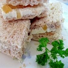 おやつに☆ジンジャー&クリームチーズのサンドイッチ