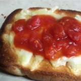チーズトマトトースト
