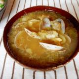 アサリとミョウガの黒コショウ味噌汁