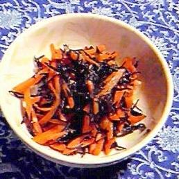 人参と米ひじきのキンピラ・塩麹味