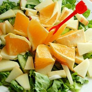 味付け簡単ノンオイル❤果物で食べる生野菜サラダ♪