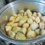 調味料は市販のすき焼きのタレだけの里芋の煮っ転がし