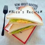 スクランブルエッグのサンドイッチ
