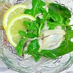 レモンで楽しむ、大きな牡蠣♪