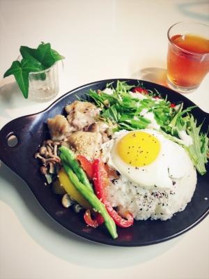 簡単美味しい☆鶏肉としめじの柚子胡椒炒め♪カフェ飯
