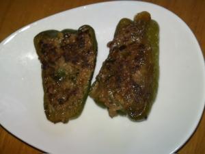 白菜でかさまし 節約ピーマンの肉詰め