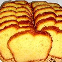 バターたっぷりプレーンなパウンドケーキ