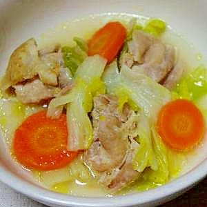 とろりスープおかず♪にんにく風味の白菜と鶏肉煮