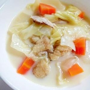 残った手羽先焼きで 野菜たっぷりミルクスープ