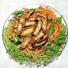 カリカリごぼうの春菊サラダ