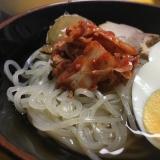 シンプルな冷麺