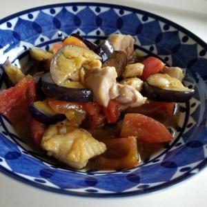 冷たい夏野菜とチキンのオイル漬け