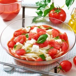凍りトマトの冷製スープうどん