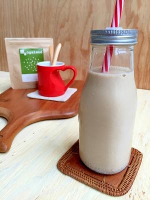 スーパーフード!ホワイトチアシード入りコーヒー牛乳