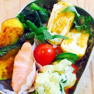 今日のお弁当おかず☆卵焼き、鮭、ポテトサラダ入り