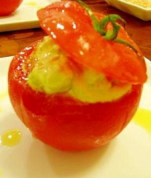 トマトとアボカドと海老のサラダ♪パーティーに♪