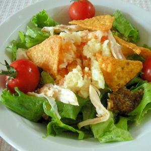 ポテトサラダと鶏ハムのドリトスのせおつまみ♪
