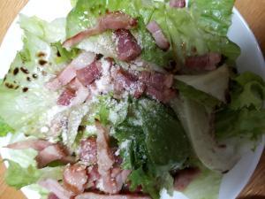 レタスとベーコンのバルサミコ酢サラダ