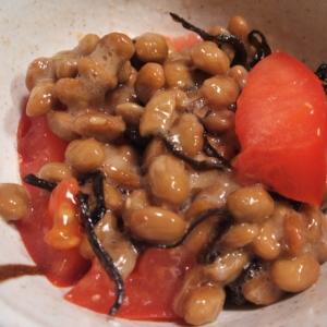 トマトと塩昆布の納豆