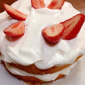 簡単に作る苺のケーキ