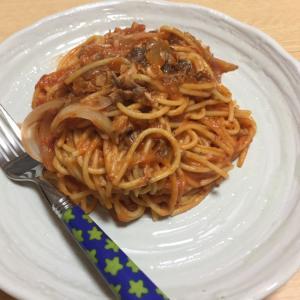 簡単ヘルシー!サバとトマトのパスタ