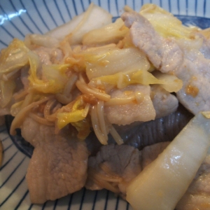 豚バラと白菜のにんにく醤油麹炒め