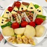 クリームチーズ、アスパラ、いちご、パインのサラダ