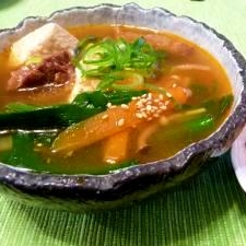 圧力鍋で♪芯から温まる!牛すじと豆腐のチゲスープ