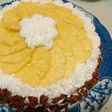 パイナップルのデコレーションケーキ