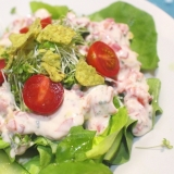 手作り桜色ドレッシングのフレッシュサラダ