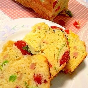野菜たっぷり!パンケーキの素で作るケークサレ