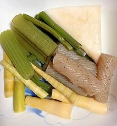 蕗、わらび、ねじり糸こんにゃく、笹の子の煮物
