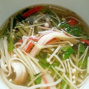 三つ葉とカニカマの中華スープ