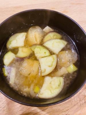 茄子と油揚げと長ネギのお味噌汁