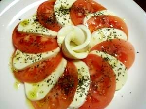 トマトとモッツァレラチーズのカプレーゼ