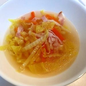常備菜で作る☆白菜と人参とベーコンのコンソメスープ